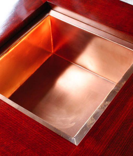 ケヤキの火鉢の銅板