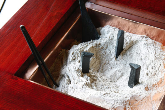 ケヤキの火鉢の炉