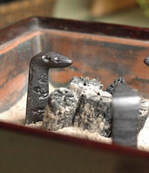 火鉢用 虫喰五徳 六寸