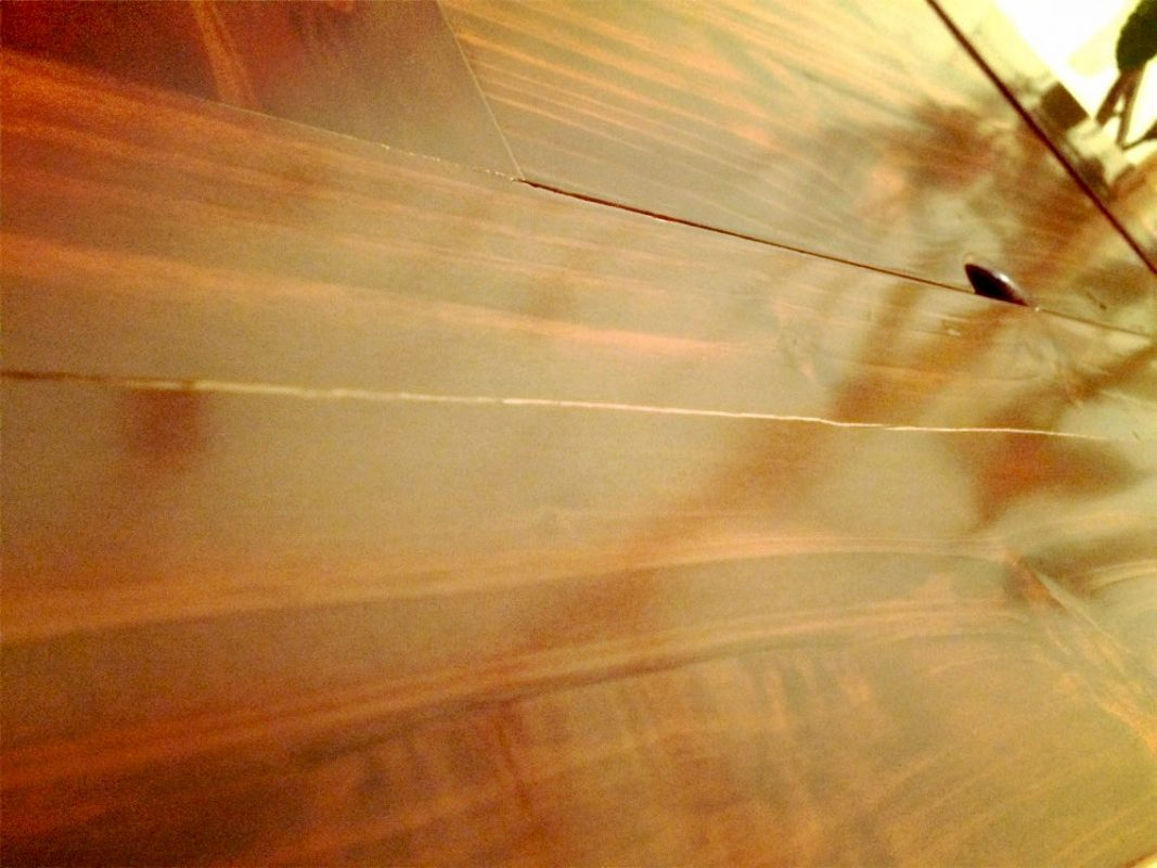 杉の火鉢 天板にヒビ