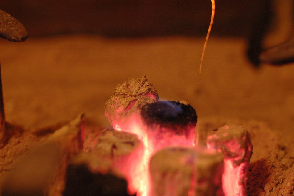 火鉢・囲炉裏の炭