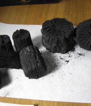火鉢・囲炉裏用 くぬぎ炭 比較
