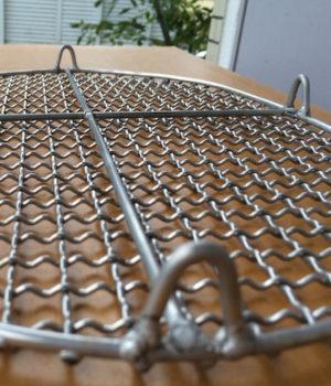 中村さんの手編みステンレス焼き網