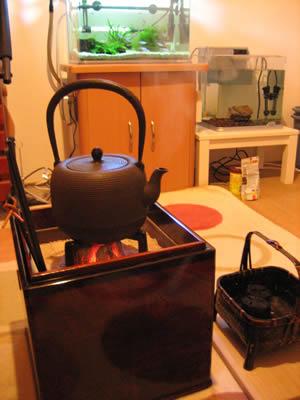 お客様の手あぶり火鉢とナツメ線引鉄瓶