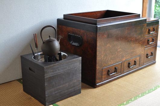 桐箱火鉢と関東火鉢