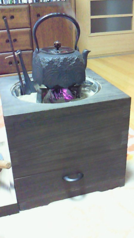 お客様の 桐箱火鉢