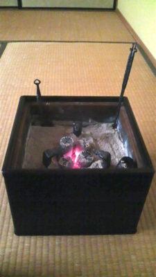 黒檀の手あぶり火鉢