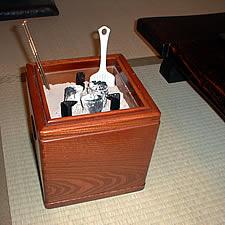 お客様の火鉢道具