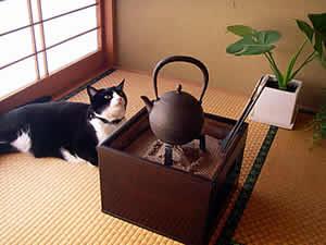 お客様の手あぶり火鉢と鉄瓶