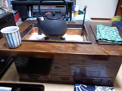 お客様の関西火鉢と虫喰五徳