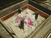 桐の煙草盆と虫喰五徳