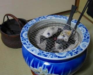 お客様の陶器の火鉢