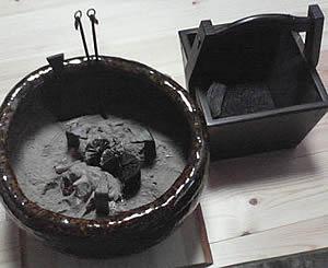 お客様の五徳と火鉢