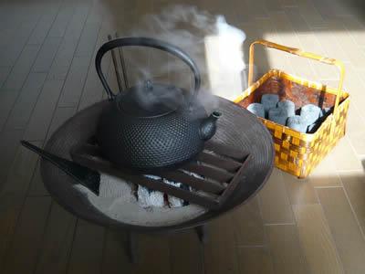 ・市松炭籠、くぬぎ灰、火箸筋目