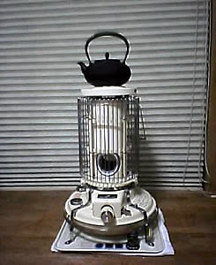 鉄瓶とアラジンのストーブ
