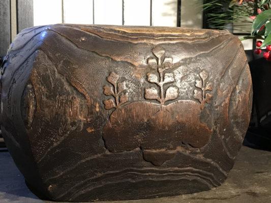 五七の桐の火鉢