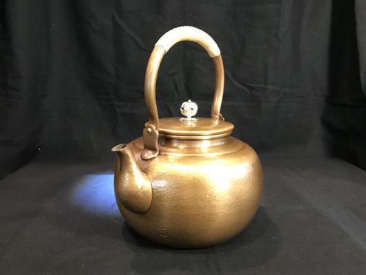 山川堂の銅瓶