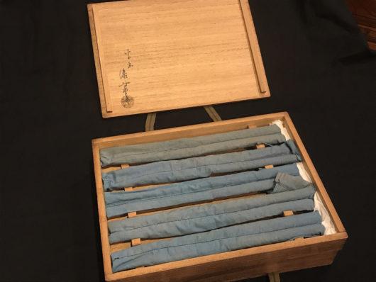 岡本専助 純銀の火箸の共箱と中身の火箸