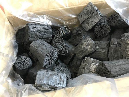 現在入手可能な中では一番良い椚炭