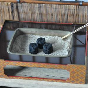 手炉または手あぶり火鉢 明治〜大正時代の七宝文様